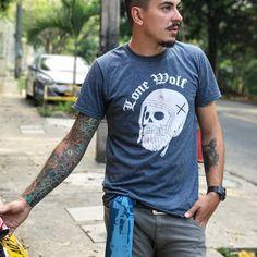"Camiseta ""Skully"" 💀- Shop online at www.lonewolfmotorcycle.co | Ventas Whatsapp: 3015879337 #LoneWolfCo 📸 @roadadventuresco"
