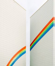 Stunning Colorful and Minimalist Urban Photography by Jorge Alva