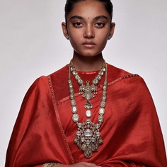 detailed-mirror-work-heritage-jewellery