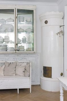 Stilren funkisvilla med en insida vi faktiskt aldrig hade väntat oss - Sköna hem #interior #design #decor #deco #decoration