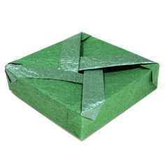 How to make a closed flat square origami box (http://www.origami-make.org/howto-origami-box.php)