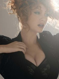 christina-hendricks-pictures8.jpg (JPEG Image, 500x672 pixels) - Scaled (83%)