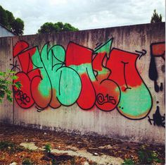 #graffiti #throwie #wall #psychedelic