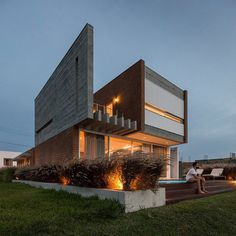 Brazilian Beach House Renovated by Urban Ode Arquitetura e Urbanismo