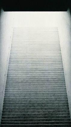 keisuke_yamamoto03.jpg 282×500 pixels #staircase #light #architecture