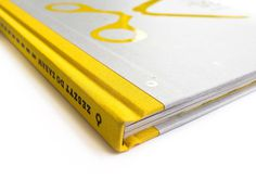 Zeszyt do zabaw – Lokomotywa | Wydawnictwo Papierówka #print #yellow #book #scissors #cover