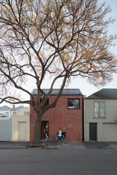 Brick & Gable House, Breathe Architecture