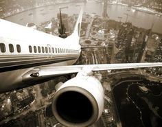 Gimme Bar | tumblr_lnhgspzdk61qznavao1_500.jpg (500×392) #city #photography #plane