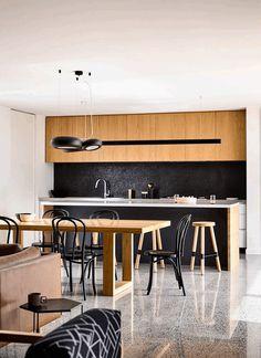 L-Shaped Modern House in Melbourne by InForm Design 4
