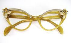coqueterías - garconniere: Vintage Schiaparelli Cat Eye...
