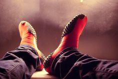 IG085 #shoes #leg #male #show #posing