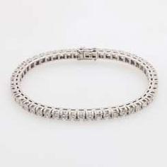 Bracelet set with 52 brilliant-cut diamonds