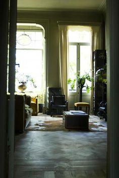 Plants in living room at Boulevard Leopold in Antwerp #remodelistacompostsboulevard #leopold #http #for