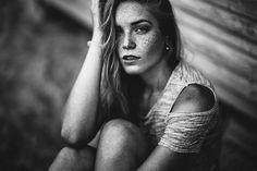 Gorgeous Female Portraits by Yannick Desmet