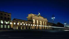 8,000 glowing balloons trace the berlin wall to mark 25 years since its fall #wall #berlin