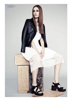 Nadja Bender by Honer Akrawi #fashion #photography