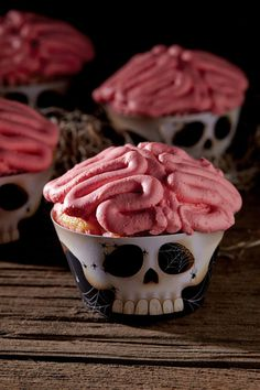20 Inspirational Halloween Cupcake Ideas #halloween #cupcake
