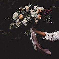 MONDAY INSPO....a dark + moody autumn bouquet // via @soilandstem ⠀⠀⠀⠀⠀⠀⠀⠀⠀ ⠀⠀⠀⠀⠀⠀⠀⠀⠀ ⠀⠀⠀⠀⠀⠀⠀⠀⠀ ⠀⠀⠀⠀⠀⠀⠀⠀⠀ ⠀⠀⠀⠀⠀⠀⠀⠀⠀ ⠀⠀⠀⠀⠀⠀⠀⠀⠀ ⠀⠀⠀⠀⠀⠀⠀⠀⠀ ⠀⠀⠀⠀⠀⠀⠀⠀⠀ ⠀⠀⠀⠀⠀⠀⠀⠀⠀ #bouquet #bride #bridetobe #weddingbouquet #bridalbouquet #flowerbouquet #flowers #flowersofinstagram #floraldesign #flowerdesign #flowerarrangement #roses #moody #boho #bohobride #bohemianstyle #bridal #bridalstyle #autumnwedding #weddinginspiration #weddinginspo #weddinginspirations