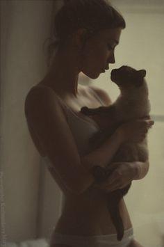 arborvitae #cat #girl #warm