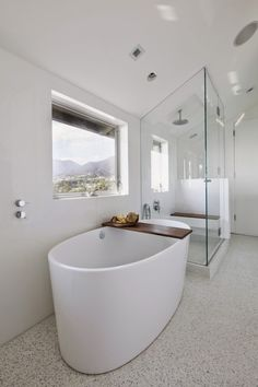 Montee Karp Residence by Patrick Tighe Architecture #ideas #interiors #bathroom