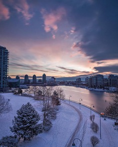 Moody and Cinematic Urban Landscapes in Vancouver by Erik Andersen