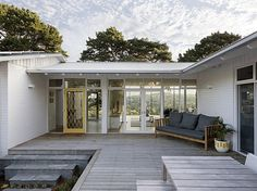 Newtown House Renovation of a mid-century house by Hindley & Co