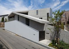 House in Hyogo by Shogo ARATANI Architect and Associates #modern #design #minimalism #minimal #leibal #minimalist