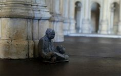 cement miniature sculptures artist isaac cordal 18 #photography #cement #sculpture #art