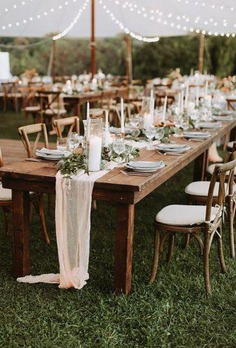 Bohemian wedding receptions are a combination of many details, lights, colors and hand made elements that together will make your holiday unforgettable.