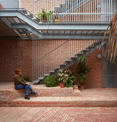 residential building renovation / David Estal + Arturo Sanz