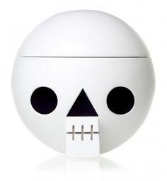 lovely-package-acne-jr4-e1315716286292.jpg (538×585) #white #geometric #circle #skull #acne