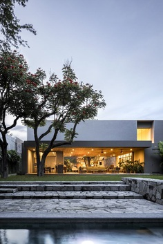 VR House / Alexanderson Arquitectos