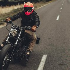 @oli.coulthard sending it⚡️#BobberShit Bobber Chopper Harley Davidson Motorcycle Lifestyle Custom Culture
