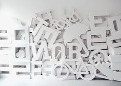 'Designerspielplatz*' ein Foto von 'Flügelfrei' #white #umbrella #design #letter #bike #papercraft #typography
