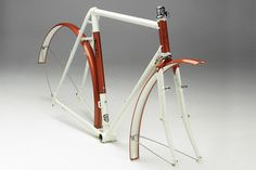 http://25.media.tumblr.com/0f47589b0ccf4bfb9ded251b8122dbf4/tumblr_mi2d5rzFK11r53oxio2_500.jpg #frame #white #bicycle #donhou #bike