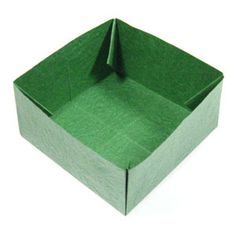 How to make a large square origami box (http://www.origami-make.org/howto-origami-box.php)