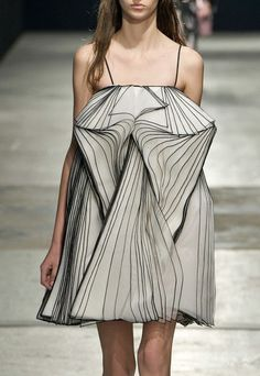 Christopher Kane f/w 2014 #fashion #runway
