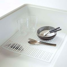 Use this mat to catch food waste and protect your sink basin. #design #product #industrial #modern #lifestyle