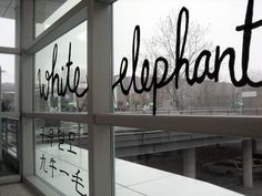 white elephant (Art Cologne + KHM) _typographische Rauminstallation von Jisun Lee und Catrin Mackowski