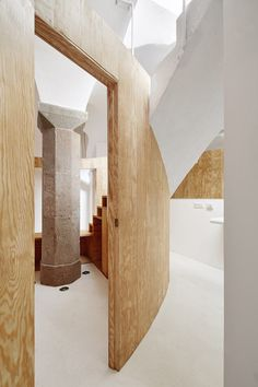 Vaulted basemen apartment Barcelona | Raul Sanchez