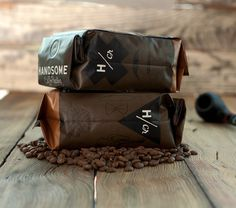 Handsome_Coffee_hand_sides_2 #packaging #bag #caffee