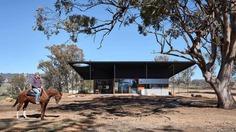 Akubra Off-Grid House / Alexander Symes Architect