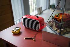 Lofree Poison: Powerful Wireless Speaker - IPPINKA Introducing the Lofree Poison: a powerful wireless speaker with a sleek, vintage design.