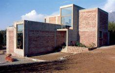 Casa para escultora Alejandro Aravena #architecture