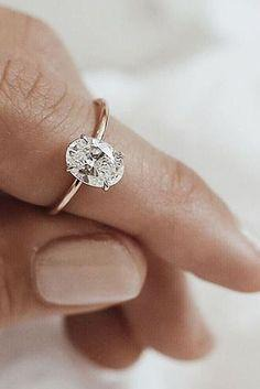Gorgeous oval cut engagement ring