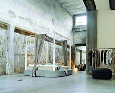 tumblr_lpntyjCjJG1qii5nko1_500.jpg (500×406) #frame #concrete #raw #perfection #interiors #homes #architecture #bed