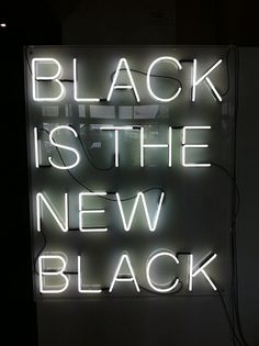 tumblr_lum1xsKeIn1qanglko1_1280.jpg 538×720 pixels #type #black #neon