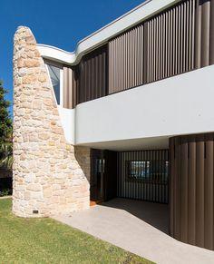 Martello Tower Home / Luigi Rosselli Architecture