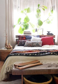 bohemian bedroom on apartment therapy #bohemian #interior #bedroom