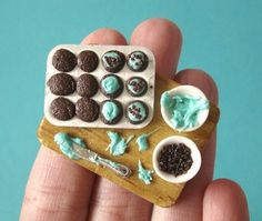 il_430xN.125566457.jpg 430×364 pixels #model #cupcakes #clay #food #miniature #teal